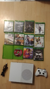 Xbox one S 2 controllers 12 games and a Kinect