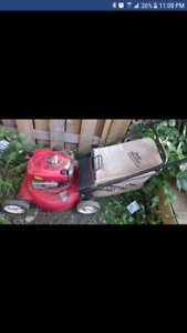 Tondeuse Craftsman au gaz/ Craftsman gas lawnmower