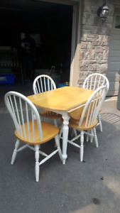 Selling Dinning Table and Chairs $80