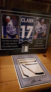 Wendel clark Toronto Maple Leafs picture with game used stick