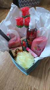 Mothers day gift baskets Avon