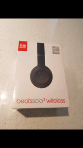 Beats Solo 3 Wireless headphones NIB