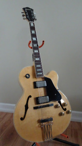 Ibanez FG-100 Archtop Guitar from 1982 in Excellent Condition