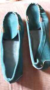 Size 6 women's suede shoes, NEW. $5.00.