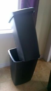 Laundry baskets/garbage cans for sale