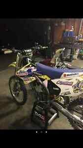 Rmz 250 2005 trade for 450 or 2600$ obo