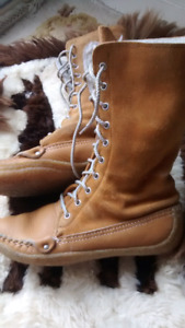 Leather Moccasin boots