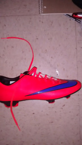 !!!!Soccer cleats!!!!