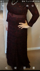 Size large burgundy dress
