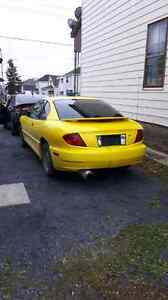 2003 Pontiac Sunfire,5 Speed As is 900 OBO