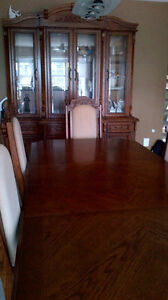 Oak Dining Room Table w 6 Chairs and China Cabinet Hutch Combo Kitchener / Waterloo Kitchener Area image 1