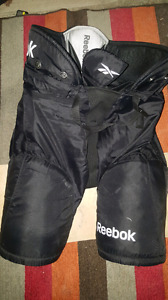 Black Reebok 5K pants, sz Youth XL, age 9yrs-12yrs
