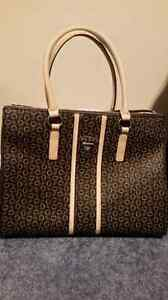 *GORGEOUS GUESS PURSE*