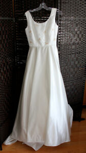 Size 8 Wedding dress Brand New with Tags!!!