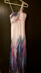Beautiful Prom Dress - Size 3-4 Might fit a 5