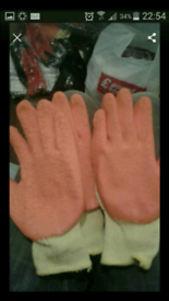 15 pairs of safety gloves