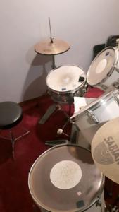 Drum set 5 piece for sale 200$