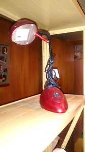 Swivel desk lamp