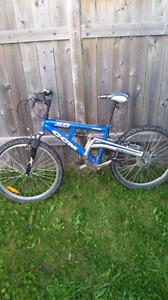 Vélo de montagne ccm 18 vitesses