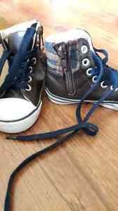 Boys old Navy shoes size 5 London Ontario image 2