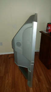 42 inch Hitachi rear projection TV