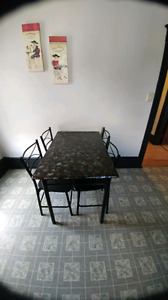 Table+chairs set
