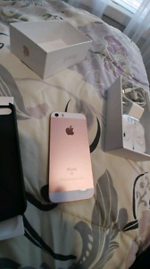 Iphone SE 16gb under bell 270 obo