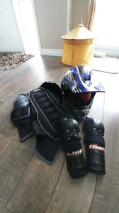 Motocross helmet and pads (kids) (size small medium)