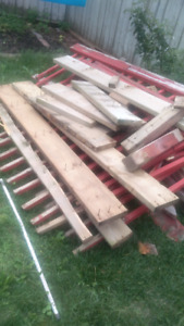 Free patio wood for pickup