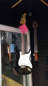 Washburn Strat w/Hard Shell Case
