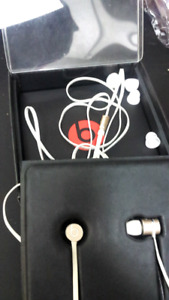 Beats by Dre headphones  in great condition