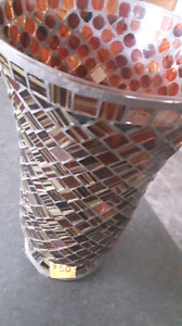 EXQUISITE MOSAIC VASE. DARK RED BURGUNDY GOLD