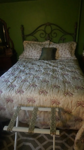 3 Piece Bedspread- immaculate