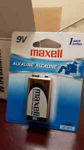 9v batterie alcaline maxell 5$ chaque West Island Greater Montréal image 1