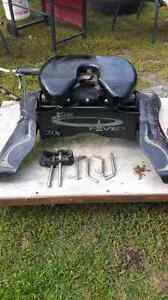 for sale    20k    fifth wheel hitch