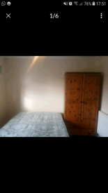 Double room is available no deposit required all bills included and Wi