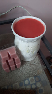 Partylit wax burner and scentsy  wax melt