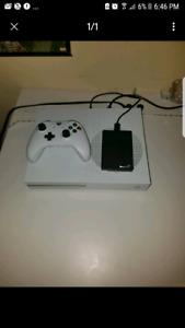 Xbox one s   NEGOTIABLE