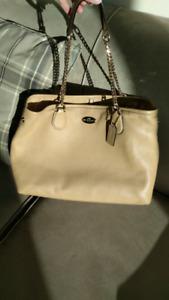 Authentic Coach Chain Link Pebbled Leather Shoulder Bag F34619