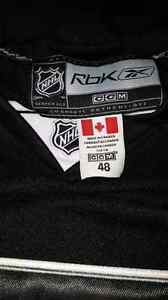 Hockey jerseys Crosby Pittsburgh or LA kings small/medium  West Island Greater Montréal image 5