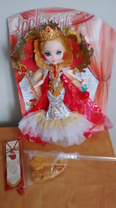 Lot 2 Ever after high comme neuve