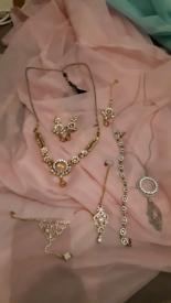 Jewellery for happy days
