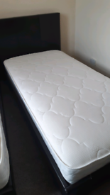 2 single beds with mattresses £100
