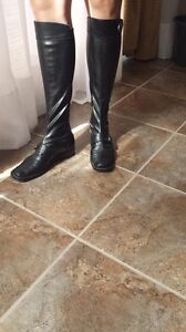 Leather boots size 7 Kingston Kingston Area image 2