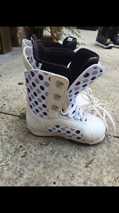 Forum Snowboarding Boots - Women's Size 8.5 Kitchener / Waterloo Kitchener Area image 1