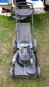 Yard Works Gas Self propelled mower with bag