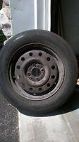 4 pneus d'été 175/70/R14 montés sur roues saturn