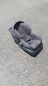 Child seat valid till 2019 lightly used great shape. no dmg