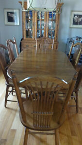 Solid Oak Dining table, chairs, buffet & hutch