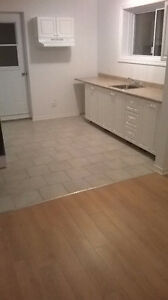 1 1/2, $490. St-Piere, Lachine. Available 1er April